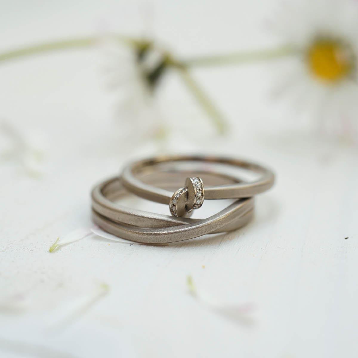 Ringe mit Knoten & Schlaufen von Oliver Schmidt
