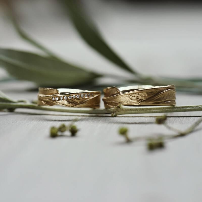 FINGERGLÜCK – Eheringe aus Olivenblättern