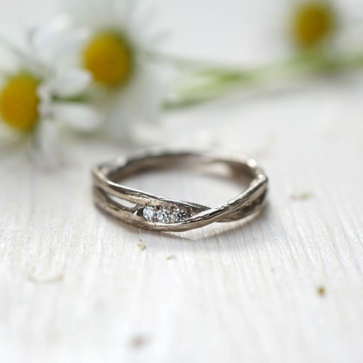 FINGERGLÜCK – Verlobungsringe aus Birkenzweigen