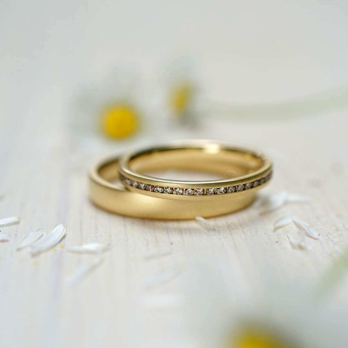 FINGERGLÜCK - Vorsteckring in Gold mit Brillanten