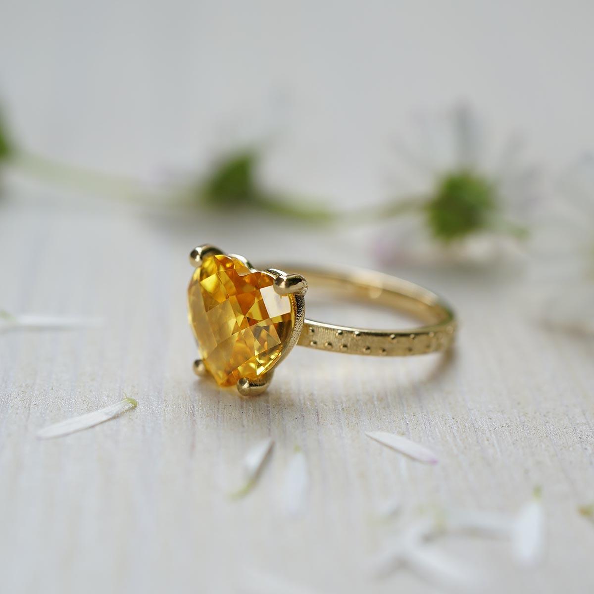 FINGERGLÜCK - Ring Déjà-vu, 750 Gelbgold mit Zirkon