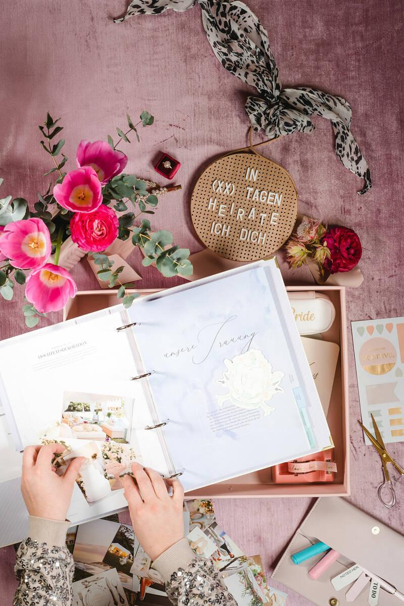 Der Hochzeitsplaner UNSERE HOCHZEIT von Hochzeitswahn