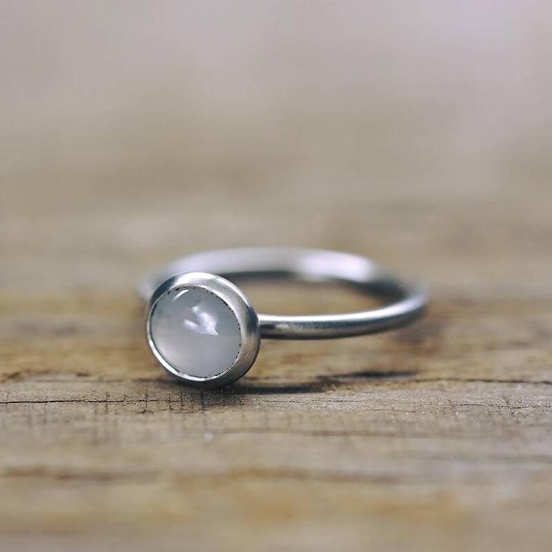 FINGERGLÜCK - Ring mit Sternsaphir